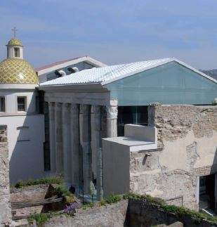 Restoration of Augustus Temple of Rione Terra, Pozzuoli (Naples)